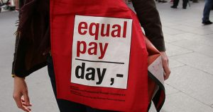 equal pay day in München / by Metropolico.org / flickr.com / licensed under CC 4.0